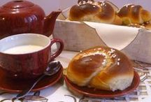 colazioni e merende / brioches, pancakes, tortini, scone, pan brioche, ecc. / by carla morandi