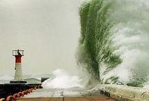 Phares dans la tempête