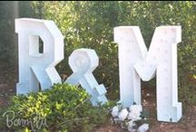 Letras para boda - Bonmilú / Reunimos todas nuestras letras para boda con luz! Hechas a mano, desde cero, con luces LED, para que brilléis en ese día tan especial!!