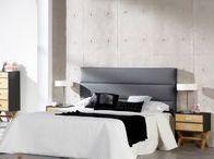 Intérieur minimaliste / Zoom sur le style minimaliste : une décoration aux couleurs épurées et sobres mettant en avant les courbes de votre mobilier. L'idée est simple : décorer le moins possible votre intérieur pour réinterpréter la notion d'espace. Mais attention, peu décorer ne veut pas dire ne pas décorer ;)