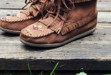 Shoes / by Taylour Edmondson