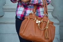 Winter Looks / Winter outfit ideas and inspiration with our favorite handbags