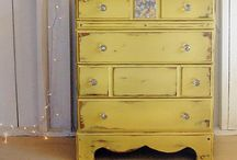 Shabby chippy distressed painted furniture...chalk, fusion, milk & more