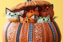 Halloween Crafts & Decorations / Halloween crafts for kids and adults, halloween decorations you can make, pumpkin carving ideas and more!