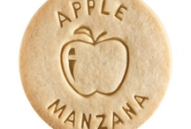 Apple - Manzana / At Dick & Jane Baking Company, we have successfully combined whole grain nutrition and education into our new line of healthy, nut free, educational snacks.