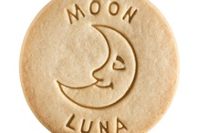 Moon - Luna / At Dick & Jane Baking Company, we have successfully combined whole grain nutrition and education into our new line of healthy, nut free, educational snacks.