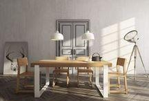 MILONI ESSTISCH FRAME / ESSTISCH Bei dem Entwurf des Tisches FRAME wollten wir vor allem einen modernen Tisch von schlichter Form erschaffen. Die Verwendung von Naturholz in Verbindung mit dem edellackierten Aluminium und der festigenden Innenkonstruktion ergibt einen Effekt von einfacher, solider und gleichzeitig leichter Form. Die neuartige Verbindung der Beine mit der Tischplatte ergibt einen fließenden, ebenen Übergang beider Elemente ineinander, wodurch das Möbelstück perfekt im Profil als auch en face aussieht.