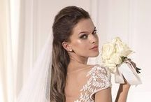 12 ♡༺♥༻✿༺♥༻♡LADIES ✿FLOWER ✿STYLE♡WEDDING༺♥༻✿༺♥༻♡ / ¤(¯`y´¯)  .  `•.¸.•'´¯`°.♡.°´¯`❤Hello & Welcome! I hope you enjoy them as much as I enjoy putting them together. I do not have limits of any kinds. These images don't belong to me, I pin things I love and if you love it too, feel free to re-pin as much as you'd like... Thanks for stopping by and come again soon. Annamaria xoxoxo✿⊱╮♥❤♥