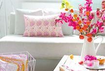 Decoración de Interiores / Si sos fanático del color, este tablero es para vos. Compartimos  diferentes tipos de decoración en colores. Livings, dormitorios,cocinas y más!