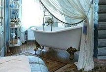 Bathroom projects, changes, and renovations / Quick, weekend projects or more long-term, gutting-and-changing renovations... or projects you think are going to be the former but turn into the latter (we've all been there). Here are some great ideas to get you thinking about changing up your own bathroom!