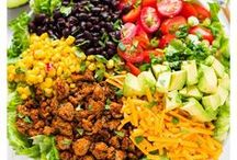 Delicious Salad Recipes / Easy, refreshing, healthy salads for any time of day! Especially when you want something yummy without all the calories.