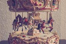 Carousel / Carousel