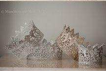 ✒ Crowns