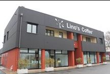 L'Azienda Lino's Coffee / Lino's Coffee si riassume in tre semplici parole: Prodotto, Servizio e Atmosfera. Il nostro impegno è totalmente dedicato a dare ai nostri clienti che entrano in un nostro punto vendita, la possibilità di vivere un'esperienza ogni volta unica, sorseggiando una tazza di caffè o degustando uno dei nostri spuntini, il tutto in un'atmosfera calda, accogliente e autenticamente italiana, serviti da personale cordiale e capace di far sentire il cliente sempre a suo agio.