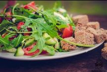 Saláty / Opravdu vydatné saláty jako oběd z čerstvých surovin. Svou nutriční vyvážeností se perfektně hodí i jako alternativa stravy pro sportovce.