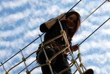 Syksyn 2015 viimeinen seikkailupäivä Huipussa / Seikkailupuisto Huipun kausi päättyi syyskuun viimeisenä päivänä. Viimeiset seikkailijat pääsivät nousemaan latvuksiin syysauringon lämmössä. Ensi toukokuussa seikkailu on taas huipussaan Leppävaaran urheilupuistossa!