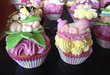 BABY SHOWER CUP CAKES / cup cakes and treats for a baby shower