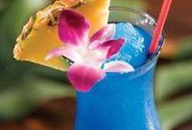 Cocktail Hour! / Noms!