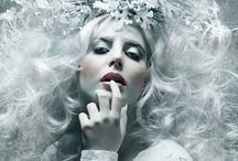 Reines des Neiges / Comme le passage d'une reine vêtue de sa longue cape blanche, l'hiver plonge la nature dans son merveilleux écrin virginal.