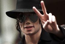 Michael Jackson / Le Roi de la Pop Une légende ! Un être magnifique qui me manque beaucoup !