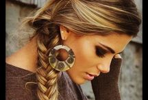 Unique Hairstyles / A gathering of beautifully different hairdos
