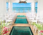Jamaica Destination Wedding / Jamaica's laid back vibe isn't just a stereotype. The island brings out the happy-go-lucky side of everyone who sets foot in its sand.
