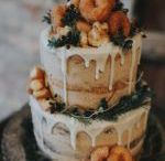 Wedding Cakes / Cake is delicious no matter where you are, but weddings cakes enjoyed in paradise are even better.