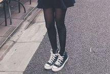 saia e tênis   skirt and shoes