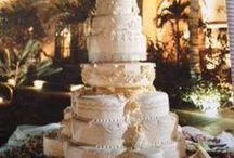 Wedding Cake Dreams - Creative Engagement & Wedding Cakes