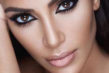 Style Krush Kim Kardashian / Style icon with curves - better than any skinny model