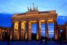 Wohnen in Berlin / Wohnen und Leben in Berlin. Ein paar Eindrücke der Nachbarschaften in der Hauptstadt. Teilt eure Erlebnisse in der Muddastadt mit uns und pinnt fleißig. http://www.immobilienscout24.de/wohnen/berlin,berlin.html