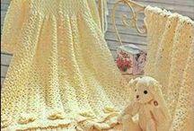 Tejidos para los más chicos de la casa / Modelos de ropa tejida para niña.