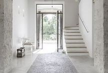 À la maison / Minimal | Home Decor | Clutter Free | White Space | Scandinavian | Modern | Minimalism | Interior | Inspiration | Home | Decor | Design | Simple | Minimalist Home