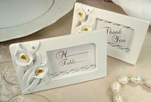 Calla Lily Wedding Favors / Calla lily represents pure and elegant and is traditional wedding flower.  Select elegant calla lily wedding favors to amaze your guests for your enchanting calla lily wedding.