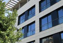Pamesa Projects: City Council Almazora- Proyectos Pamesa: Ayuntamiento de Almazora / Material utilizado: Cantil Blanco 50 x 100 (Fachada) // Materials used: Cantil Blanco 50 x 100 (Facade)
