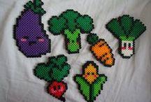 Hama Beads Foods (perling) / Hama beads food patterns, DIY hama beads. cupcakes, fruts, cute!!