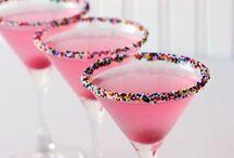cocktails.cheers.