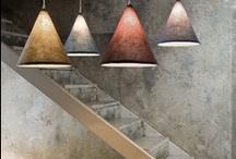 Lampade serie #TRAME / Trame: la casa si veste di luce sartoriale. Il design ricama intrecci suggestivi di tessuti e lampi luminosi.