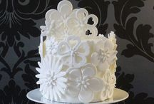 Cakes - Iced White, Cream & Ivory / White, Cream and Ivory cake Pinspiration / by Sarah-Lou