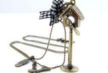 Biżuteria wiosenna / Kolczyki, bransoletki, naszyjniki, które świetnie nadają się do wiosennych stylizacji.