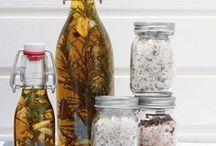Gewürze und Kräuter / Für alles ist ein Kraut gewachsen, damit das Leben einfacher oder auch nur mal lecker schmeckt.