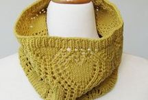 Shawl and scarf Knitting Patterns - free and paid pdf patterns for hats / Easy Free Lace Children Triangle Sock Yarn Prayer Ravelry Winter Beautiful Simple Summer Ideas Ponchos Drops Design Colour Multicolor French Shape English Wedding Bulky Fiber Art Video Tutorials DIY Chunky Triangular Hooded Scarf Purl Bee Big Tricot Lion Brand Baby Rectangle Mohair Worsted Projects Libraries Charts Link Granny Squares Fun Seed Stitch Texture Hooks Haken Gifts Fringes Lights Posts Cowl Neck How To Crochet