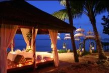 """Romantic dinner on the beach / """"I am a better person when I let myself have the time for romance and for love.""""- Diane Kruger"""