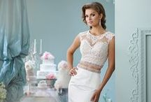 ENCHANTING / Authorized retailer for Enchanting Informal and Destination Wedding Gowns by Mon Cheri