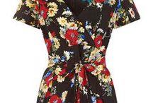 Tea Dress Everywhere! / Discover our vintage style flattering tea dresses!
