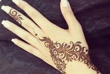 Tattoos & Hennas / Hand Henna,