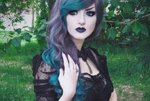 ChEvEux GothiquE-Gothic-Victorian / Haircolor-Coloration-Gothique