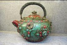 Tea pots and kettles