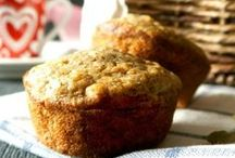 Muffins/Scones / Classic muffin and scones recipes, both sweet and savory. Whether it's breakfast, brunch or tea time, you'll find a recipe for your favorite baked treat here.