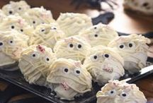 Fun Halloween Food and Drink Ideas / Fun snacks, tricks and treats with a ghoulish Halloween theme. Kid-friendly.